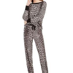 ⭐️NWT⭐️ Betsey Johnson Waffle Fleece Pajama Set